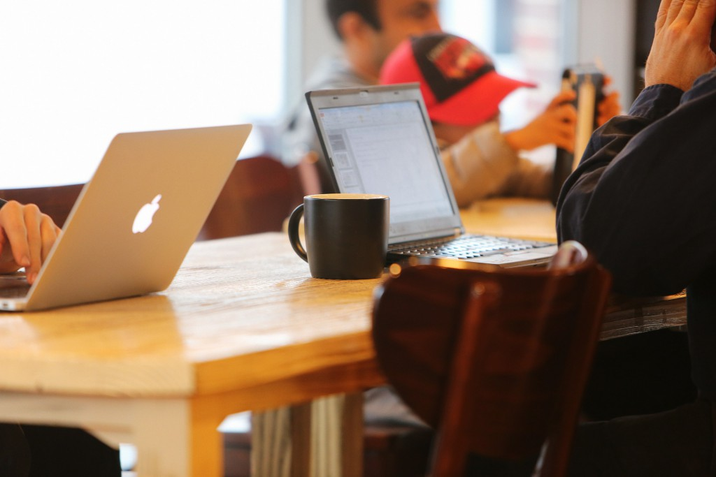 The Benefits and Strategies of Live Blogging